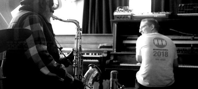 """Floating Points i Pharaoh Sanders - dwie legendy łączą siły na albumie """"Promises"""" z udziałem London Symphony Orchestra"""